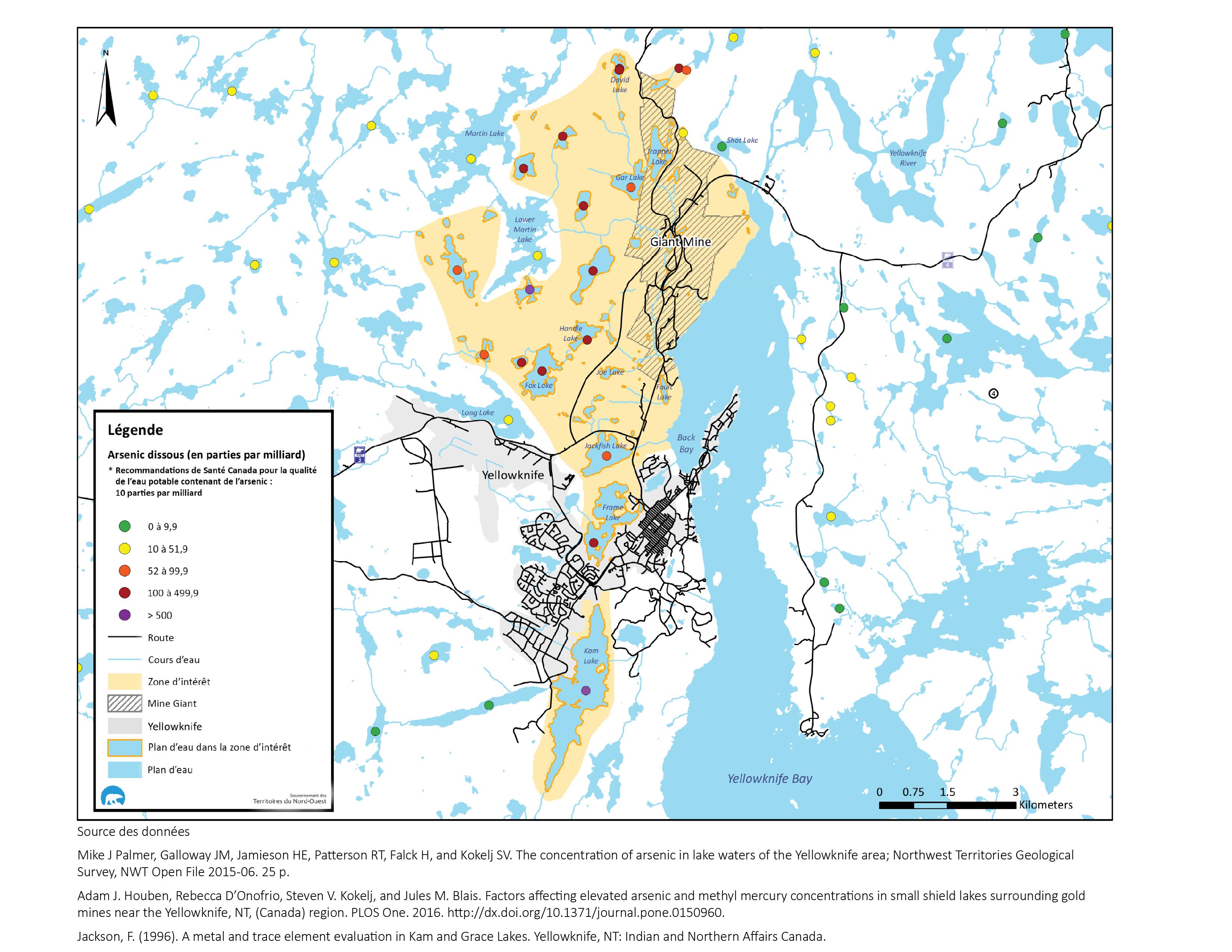 Carte des concentrations d'arsenic mesurées dans les étendues d'eau de la région de Yellowknife accompagnée de l'avis de santé publique correspondant
